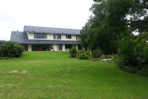 Howard & Currie Country Estates